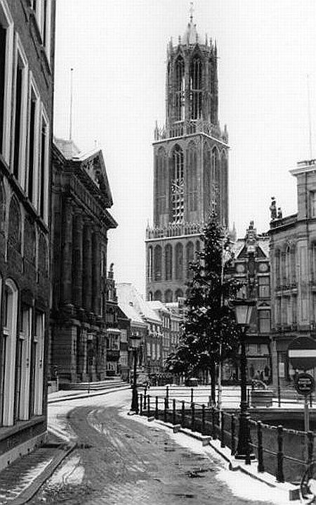 Kerst in Utrecht 1964: De Stadhuisbug