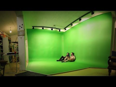 Green Screen Paint - DIY vs Professional - which one for your chroma key background - Rosco & Dulux - YouTube