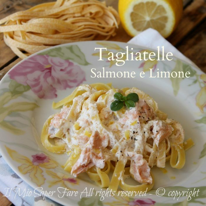 Tagliatelle salmone e limone ricetta facile per un primo piatto raffinato e gustoso. Un condimento cremoso e avvolgente con salmone,scorza di limone e panna
