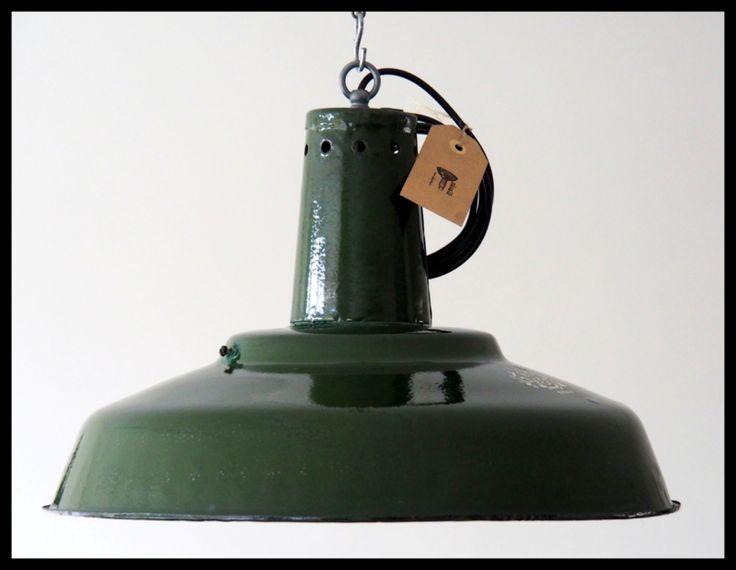 http://www.rikus75.nl/a-46209556-4112487,4217375/industriele-lampen/grote-industriele-lampen-russia-olivegreen-2-beschikbaar/