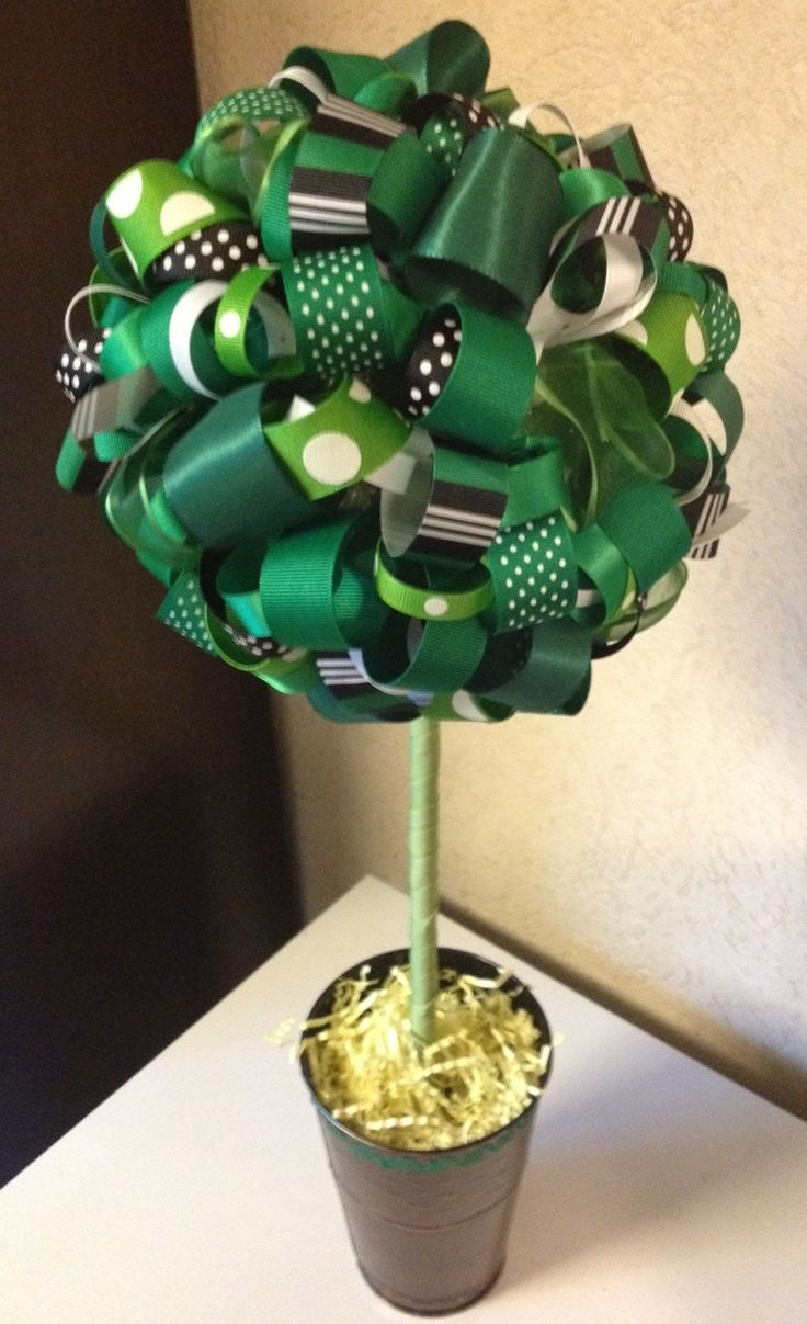 Green and White Ribbon Topiary.  Michigan State Spartans, Tulane Green Wave, North Texas Mean Green, Marshall Thundering Herd, Ohio Bobcats and other colleges and professional football and baseball teams.  Also great for little league and high school sports teams.