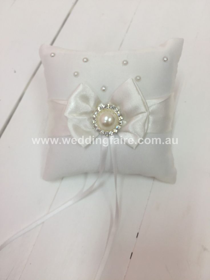 Ivory Mini Bow & Pearl Ring Pillow - The Wedding Faire