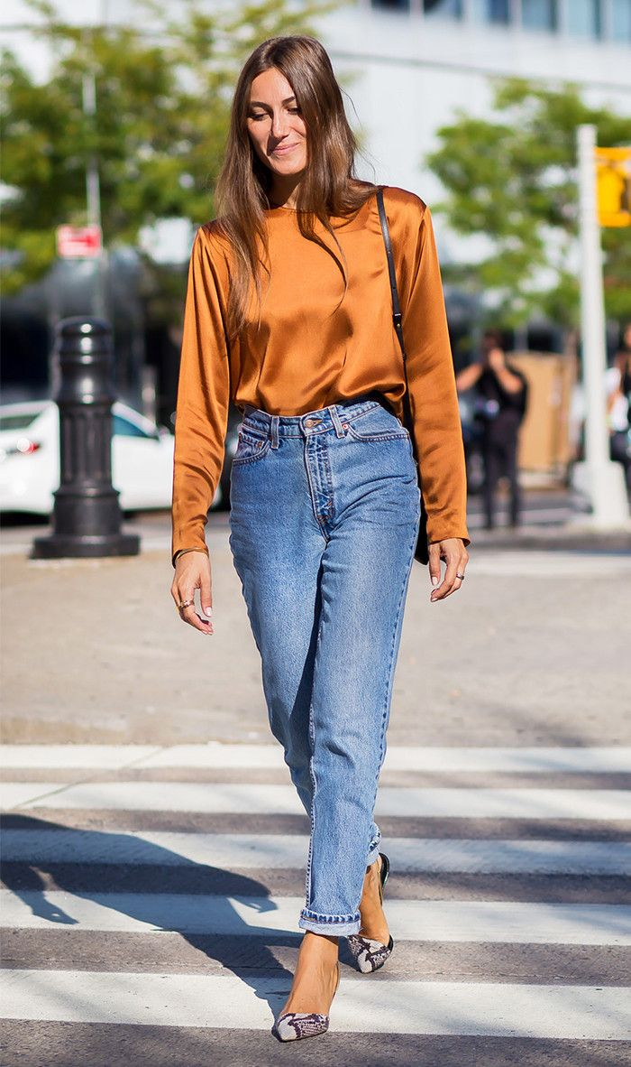 No One Is Wearing Mom Jeans Like This Anymore via @WhoWhatWearUK