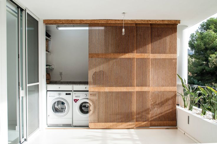 Outdoor Laundry - Laundry Room - White Decor - Modern Furniture - Interior Renovation