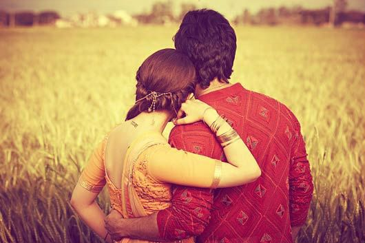 Alia Bhatt and Varun Dhawan in a still from Humpty Sharma Ki Dulhania | This would be a cute couple photo idea