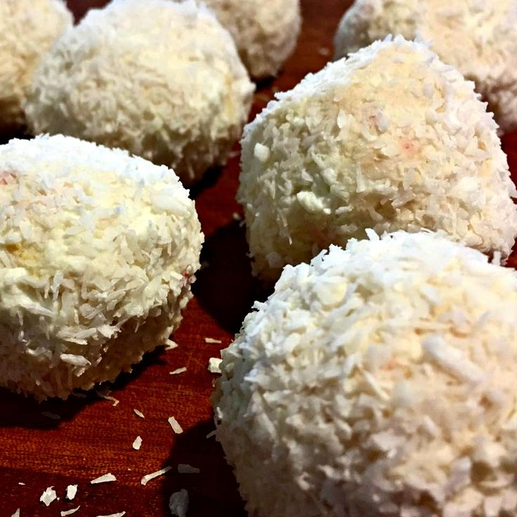 Read our delicious recipe for Lemon And Coconut Bliss Balls, a recipe from The Healthy Mummy, which is a safe way to lose weight after having a baby.
