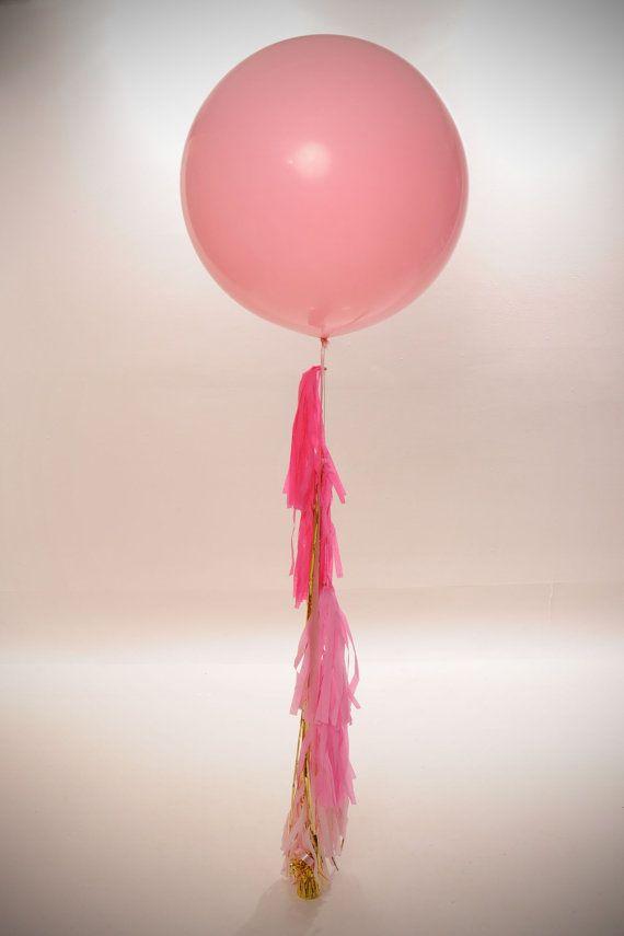 Pretty in Pink Custom Creation Big Round Balloon Tassel Garland op Etsy, 23,25€