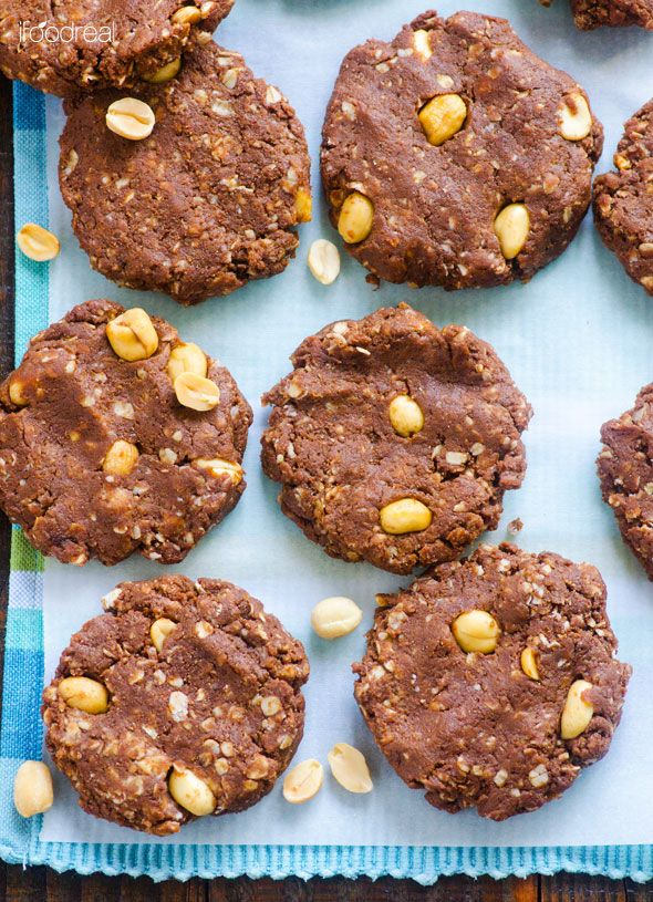 No Bake Protein Cookies -- Delicious 15 minute cookies that curb the craving without ruining the waistline.