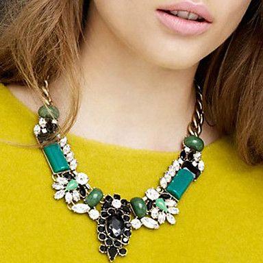 Recomendaciones para Llevar un Collar - Para Más Información Ingresa en: http://hombreselegantes.com/recomendaciones-para-llevar-un-collar/