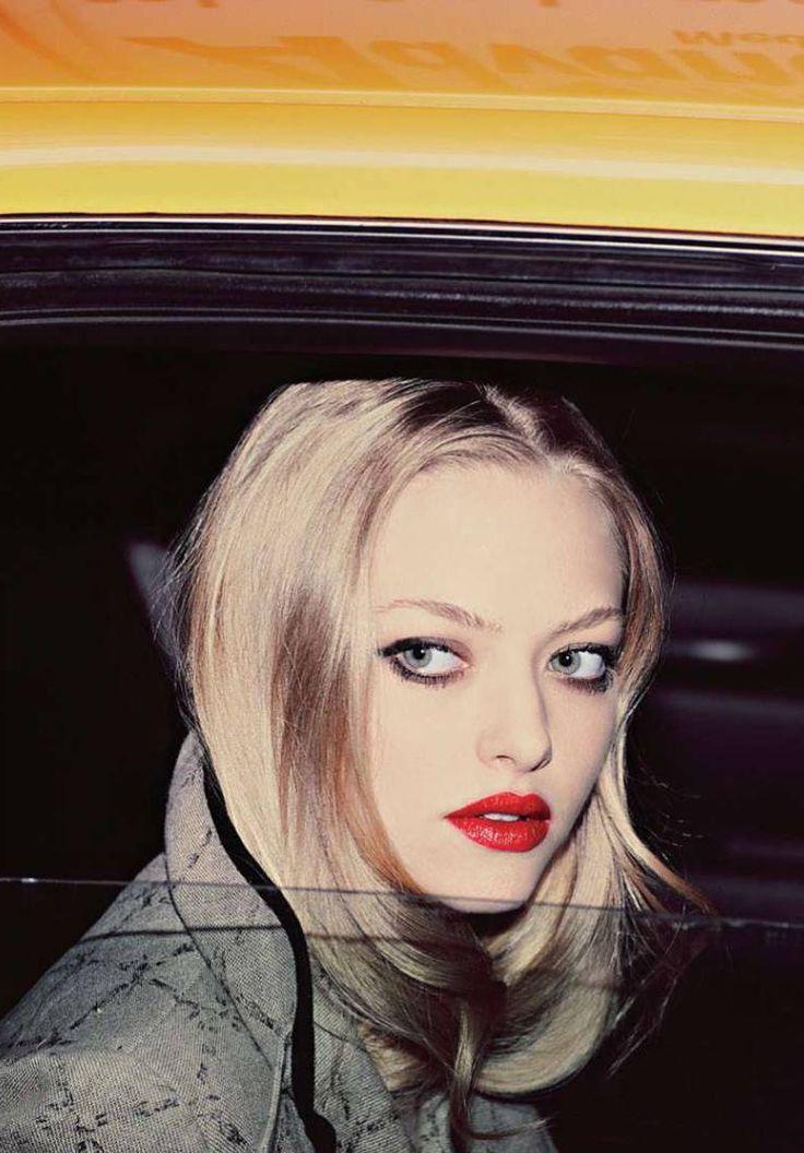 suicideblonde:    Amanda Seyfried photographed by Guy Aroch