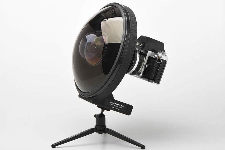 Produit entre 1970 et 1997 en 3 versions, ce Fisheye Nikon 6mm était destiné à la photographie industrielle et scientifique. Focale : 6 mm Fisheye Ouverture maximale : f/2.8 Ouverture minimale : f/22 Construction optique : 12 éléments en 9 groupes Angle de champ : 220° Diaphragme : Automatique Distance minimale de mise au point …