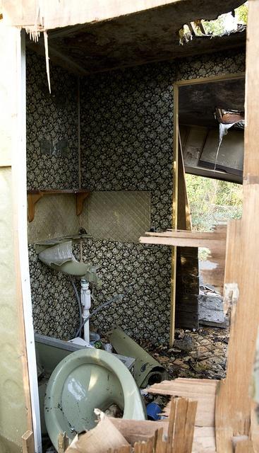 Broken Toilet - Mousehold Rangers House