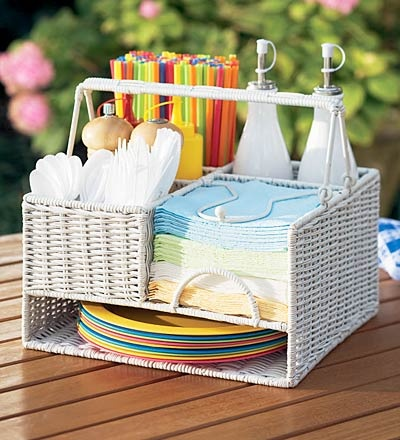 This would be so cute for summer!Bbq Picnics, Summer Bbqs, Wicker Organic, Outdoor Parties, Picnics Organic, Organizers, Picnics Baskets, Organic Picnics, Bbq S