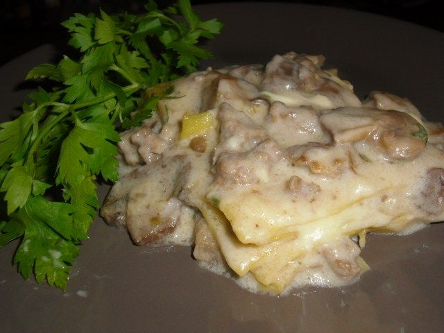 LASAGNE BIANCHE AI FUNGHI /WHITE LASAGNE WITH MUSHROOMS