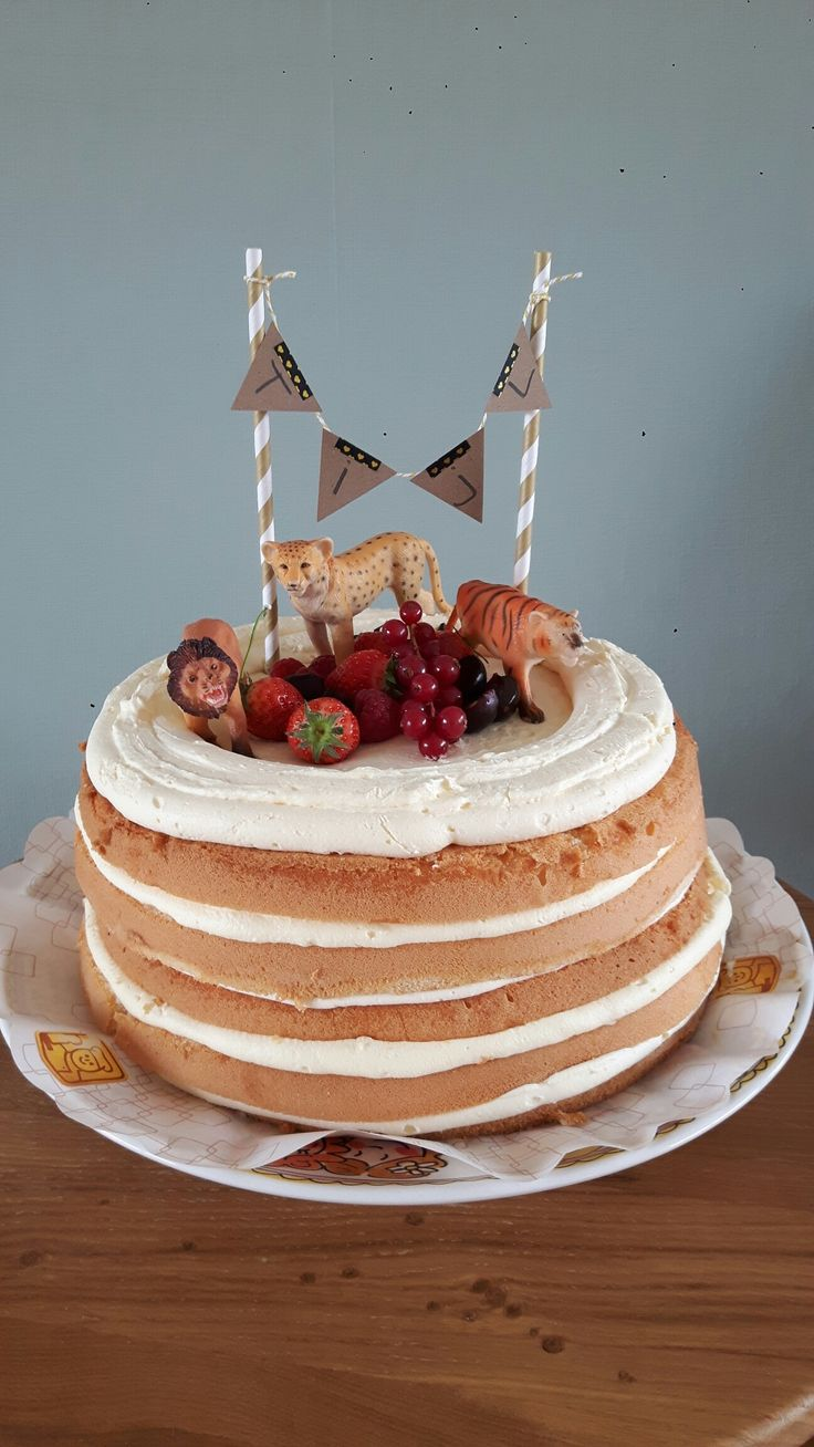 Tijl zijn vierde verjaardag taart!  Tijgers, leeuwen & cheetah maakten hem helemaal compleet