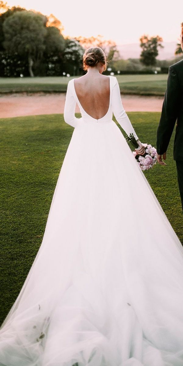 White Bride Dresses Brides Dream Of Having The Most Appropriate Wedding Ceremony But For This T Wedding Dresses Simple Wedding Dresses Modest Wedding Dresses