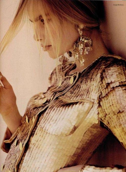 #Gold fashion