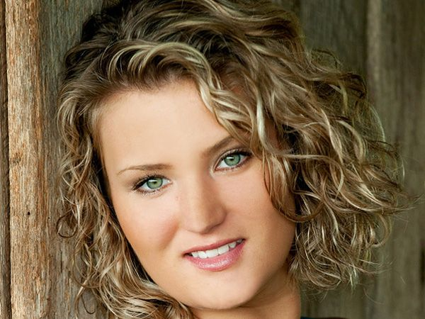 Super 1000 Images About Curls On Pinterest Short Curly Hairstyles Hairstyles For Women Draintrainus