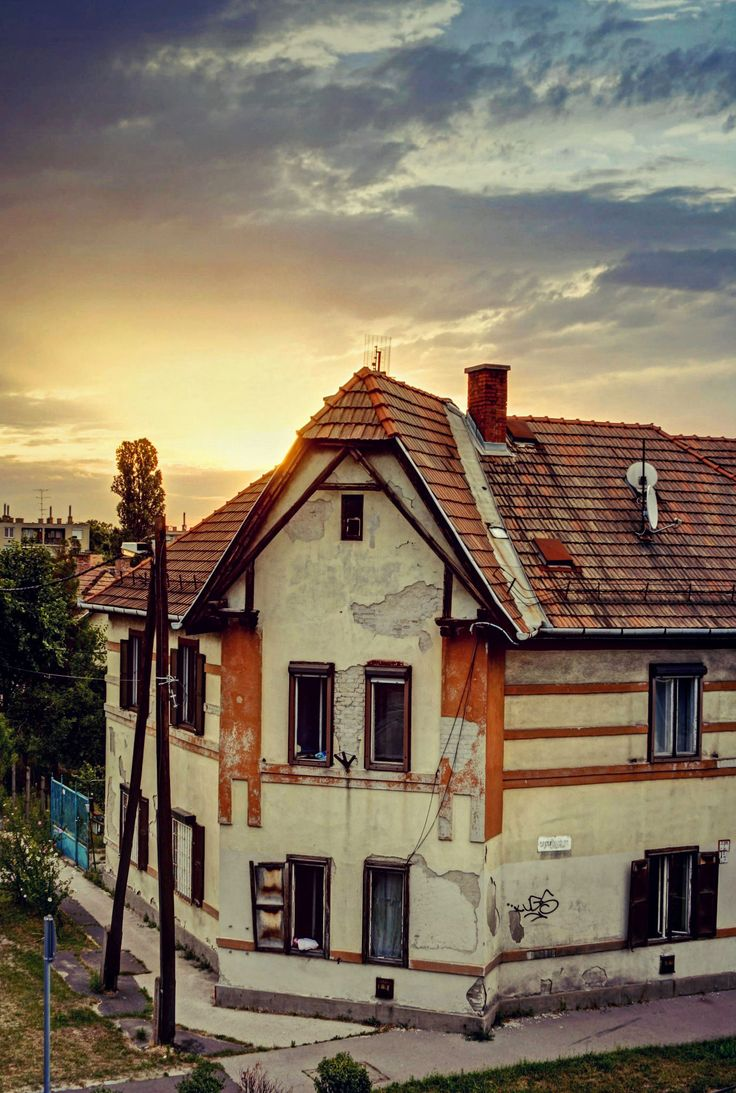 https://flic.kr/p/WfKw4i | sunrise in South Budapest (Wekerle estate)