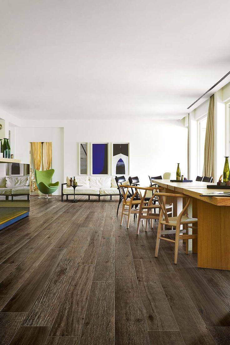 Le carrelage imitation parquet Details Wood de #Cerim mélange la beauté du bois naturel avec les hautes performances du grès cérame. On peut utiliser le matériau comme sol et revêtement dans toute la maison, surtout les zones humides, comme les cuisines et las salles de bains, et comme bois pour extérieur.