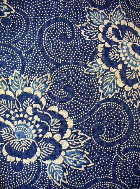 Vintage Katazome fabric, traditional Japanese stencil & paste resist #textile #pattern