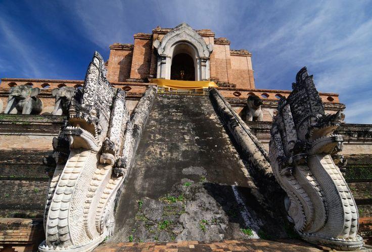 http://ru.esosedi.org/TH/50/1000476164/vat_chedi_luang/  Ват Чеди Луанг – #Таиланд #Чиангмай (#TH_50) Один из главных храмов города