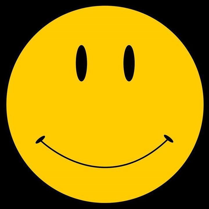 Harvey Ball adalah seorang aktor yang mendesain Yellow smiley face #meja #kursi #lemari #computer #kantor #peralatankantor #mediainovasisemarang http://ift.tt/2hhO8JH