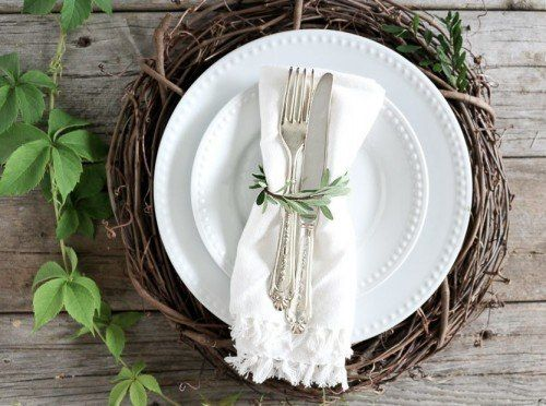 5 DIY Napkin Rings - Great ideas for summer and fall parties. A simple and easy way to dress up your table for a party.