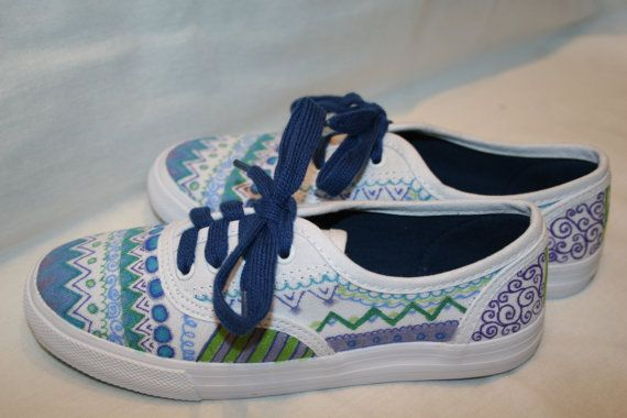 Sharpie Shoes- I could totally see myself designing a pair for Audrey... Summer project!!!