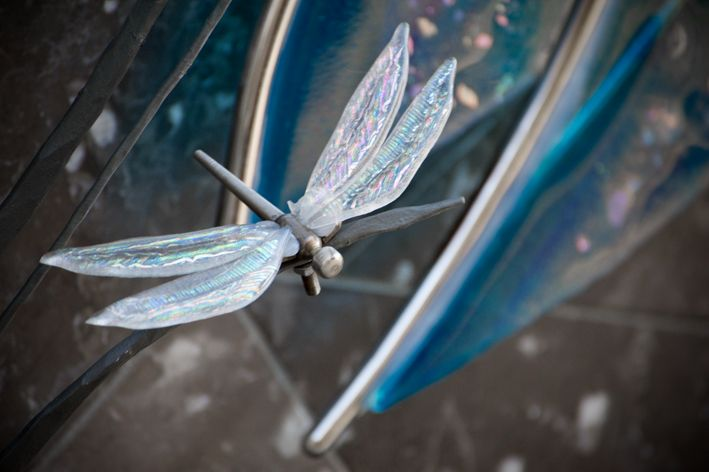 Glass dragonfly detail, by Tavoli