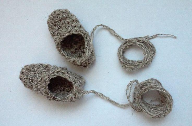 Попробуйте связать лапти сами! Это легко!  Вязание столбиками за обе половины петли.
