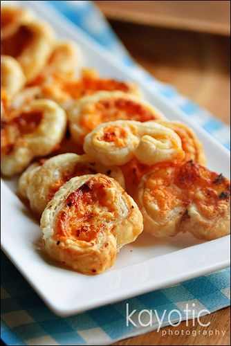 Cheese and Onion ButterfliesKid Party Foods, Party Food Recipes, Puff Pastries, Parties Food Recipe, Snacks, Chilis Peppers, Appetizer, Popular Pin, Hot Chili Peppers