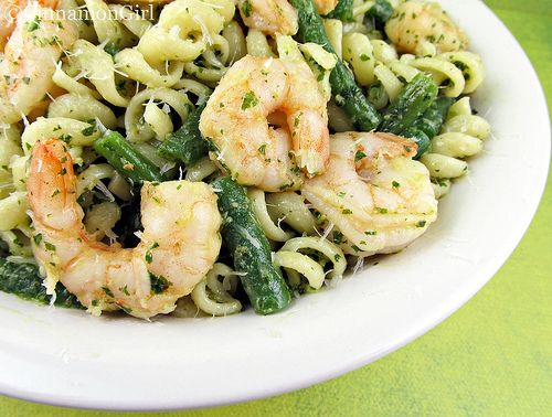 Shrimp, String Beans and Pasta with Pesto Sauce