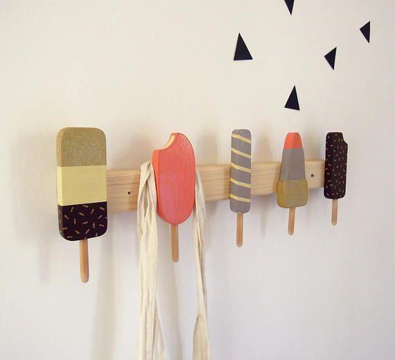 Dekorationsartikel für Kinder und Jugendliche – Stöpsel in Form von Eis, Holz