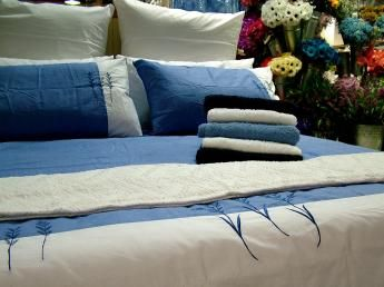Good tips on what to consider in making your own duvet (not a pattern).: Airless Bedroom, Blood Stains, Bedroom Makeovers, Duvet Covers, Sheets Bedding, Bedrooms, Mattress, Cleaning Tips