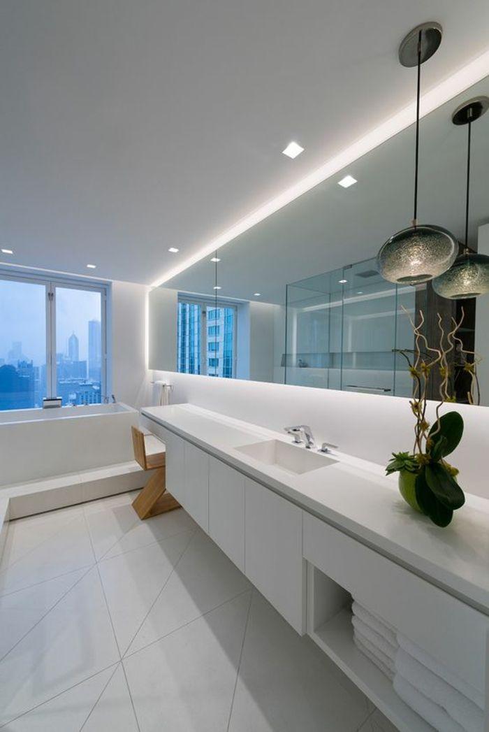 salle de bain blanche avec spot encastrable pas cher