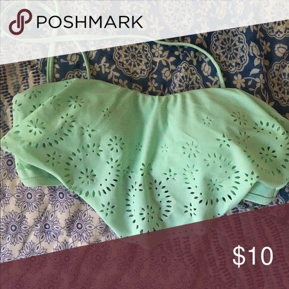 Super cute bandeau bikini top Mint green bandeau bikini top. Comes w attachment straps Swim Bikinis