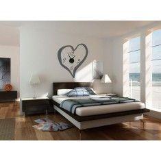 románticos relojes de pared con forma de corazón. Elige el color que más te guste. Estos vinilos decorativos quedarán perfectos en paredes de salones y dormitorios.