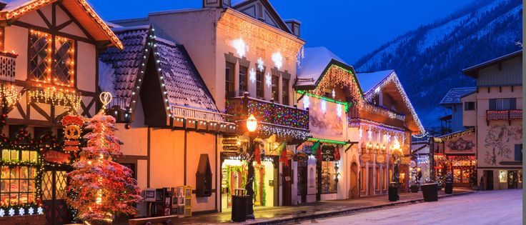 America's 20 Best Small Towns for Christmas - CountryLiving.com