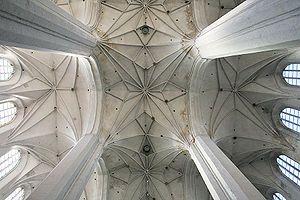 GOTYK: Bazylika katedralna Świętych Jana Chrzciciela i Jana Ewangelisty w Toruniu - sklepienie nawy głównej, koniec XV w.