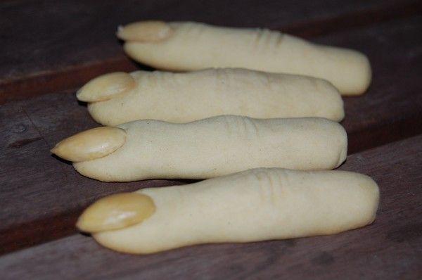 Creepy cookie fingers for Halloween