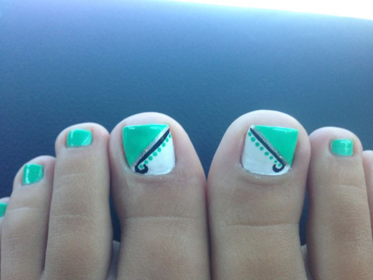 Mint Green Toe Nail Art Trend
