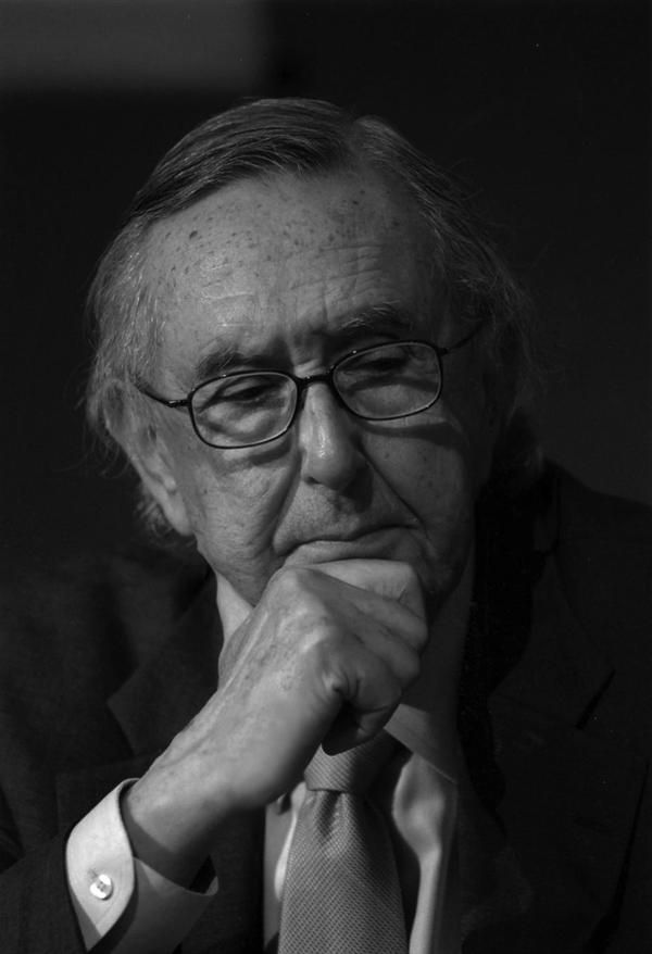 Cesar Pelli Famous Architect Architecture Modern