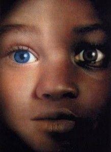 """Olhos Azuis, a dor do preconceito - A professora e socióloga Jane Elliott ganhou um Emmy pelo documentário de 1968 """"The Eye of the Storm"""", em que aplicou um exercício de discriminação em uma sala de aula da terceira série, baseada na cor dos olhos das crianças."""