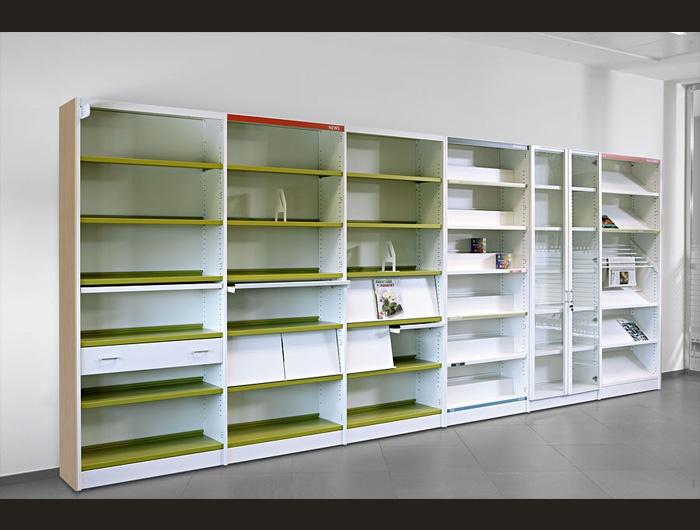 Poseemos multitud de acabados y modelos para cubrir todas las necesidades de archivo de la oficina. Muebles metálicos, laminados, apilables, con puertas correderas, con ruedas, ofreciendo incluso la posibilidad de incorporarlos como elementos de separación de ambientes de trabajo. Disponemos de una colección de mobiliario para bibliotecas que da respuesta a todas las soluciones de archivo, clasificación, organización y decoración.
