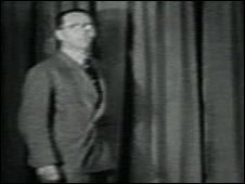 Alan Blumlein, EMI, appearing in his own pioneering stereo film.