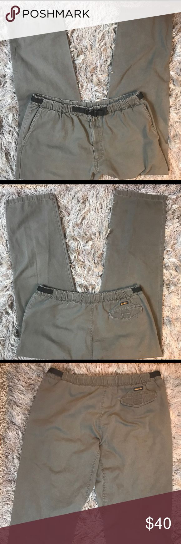 ♻️Woolrich Mens Khaki pants size XL Woolrich Mens Khaki Pants with adjustable belt   Size - XL  Color - Green   Great Condition Woolrich Pants Chinos & Khakis