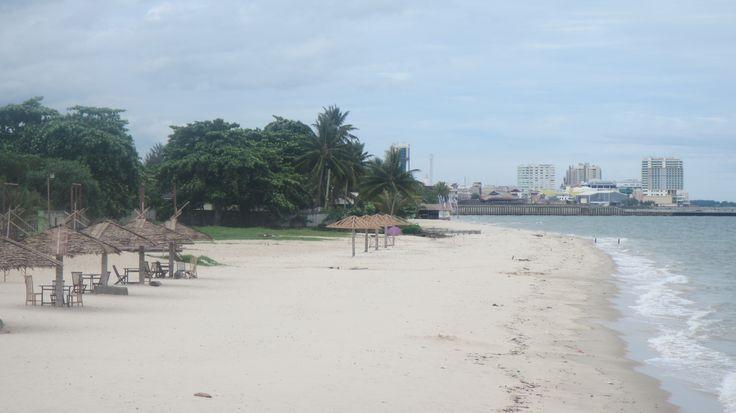 Kemala Beach Balikpapan, terletak ditengah kota dan mudah sekali dijangkau dengan kendaraan apapun. #Wisata #Alam #Balikpapan