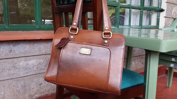 PROFESSIONALZZZ  The Two Color Tone Executive Series Bag To Go With You Everywhere, Everyday  http://www.galzbestfriend.com/product_info.php?products_id=58