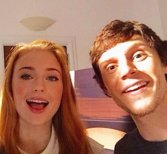 X-Men Apocalypse: Sophie Turner and Evans Peters